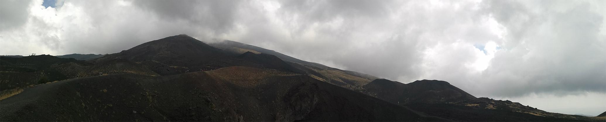 Panorama – pogled na vulkan Etna, Sicilija, Italija.