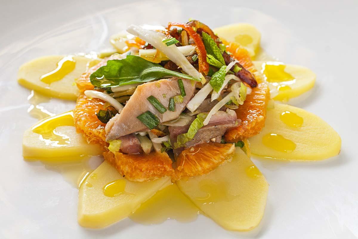Sicilijanski specijalitet salata od pomorandže, krompira i dimljene haringe.
